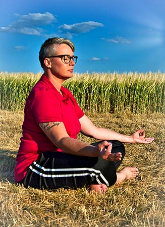 Elke Thiel Meditation mit Jnana Mudra